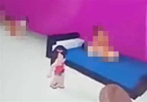 Mum Shocked After Daughter Stumbles Into A Sex Room