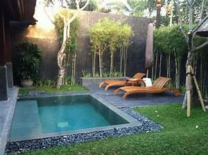 18 Gorgeous Backyard Swimming Pools With Small Sizes For