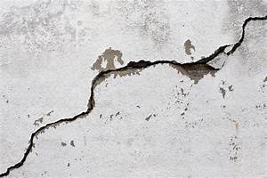 Feuchtigkeit Im Mauerwerk Beseitigen : mauerrisse reparieren anleitung in 4 schritten ~ Watch28wear.com Haus und Dekorationen