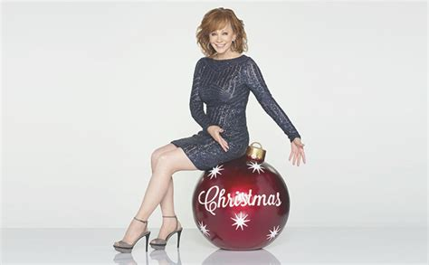 reba mcentire christmas reba mcentire to host cma country christmas special on abc