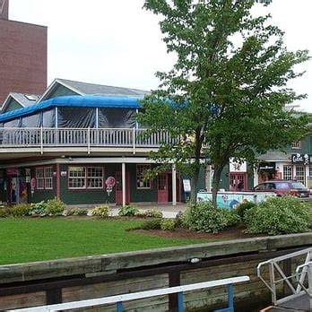 Boat Shop Restaurant Pei by Peake S Quay Restaurant 20 Reviews Seafood 1 Great