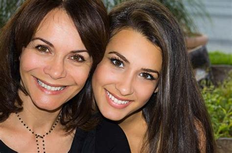 Why Everyone Should Have A Hispanic Mom In Their Lives