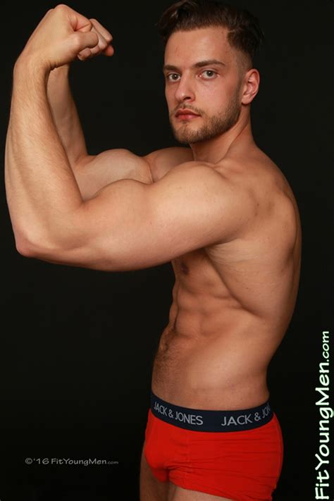 Sexy 22 Year Old Personal Trainer Joey Wills Shows Off His