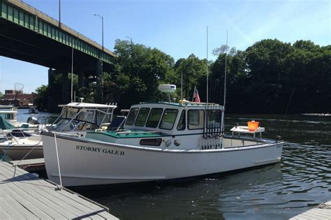 Mako Boats Ct by Rent A Osmond Beal Custom 30 Motorboat In Greenwich Ct