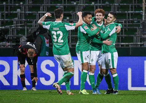 El «sv werder bremen ii», a veces también denominado werder bremen amateure, es el conjunto filial del werder bremen. Drei strittige Tore in der Fußball-Bundesliga: Eintracht Frankfurt verliert 1:2 bei Werder ...