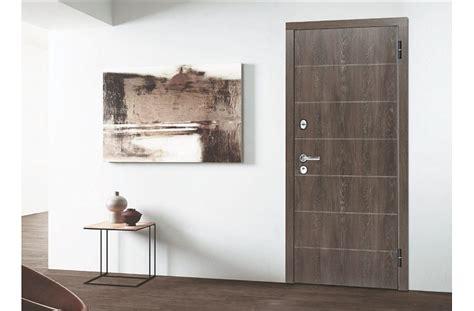 Kā izvēlēties metāla durvis dzīvoklim? : building.lv - par ...