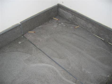 poser plinthe cuisine carrelage design poser des plinthes carrelage moderne design pour carrelage de sol et