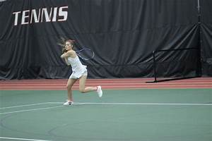 The Easterner : Women's tennis sweeps weekend matches