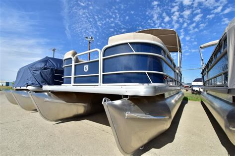 Fishing Boats For Sale North Dakota by Sweetwater Pontoon Boats For Sale In North Dakota