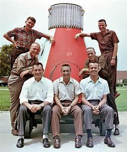 File:Mercury Seven astronauts.jpg - Wikimedia Commons