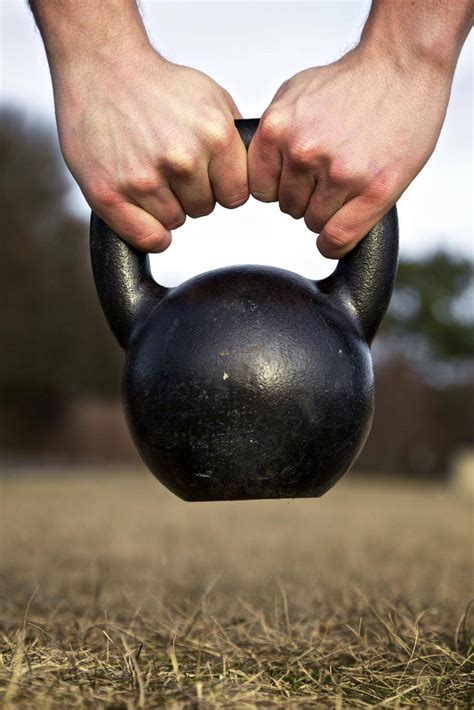 kettlebell workout beginners workouts istockphoto dvds effective crossfit kettlebells exercises fitness mail thinkstock theglobeandmail