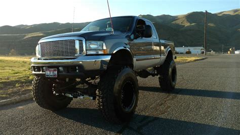 2002 Ford F250 Superduty Lifted 7.3L Diesel Monster Mudder