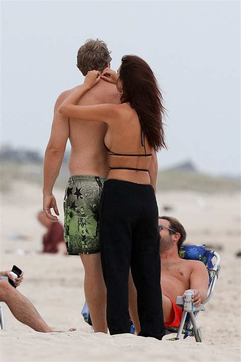emily ratajkowski relaxes on the beach with husband ...