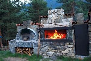 grillkamine fur das barbecue im garten mein bau With französischer balkon mit garten barbecue