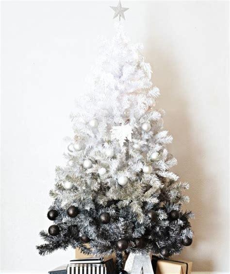 diy ombre christmas tree allfreeholidaycraftscom