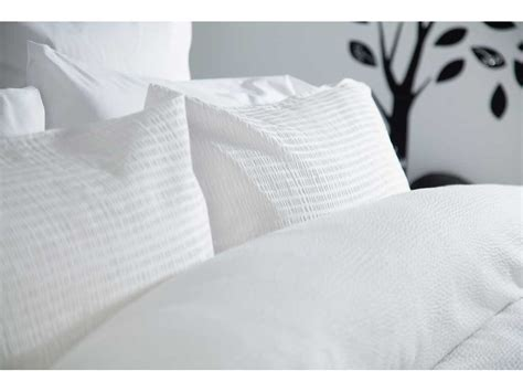 Maison Blanche Lincoln Seersucker White Duvet Cover Sets