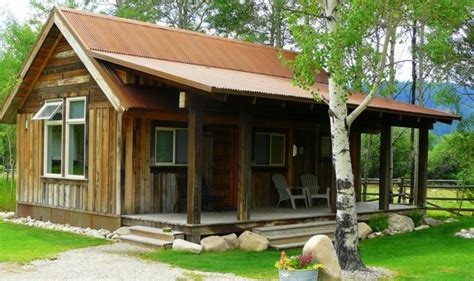 moose creek cabins these 10 cozy cabins are everything you need for the