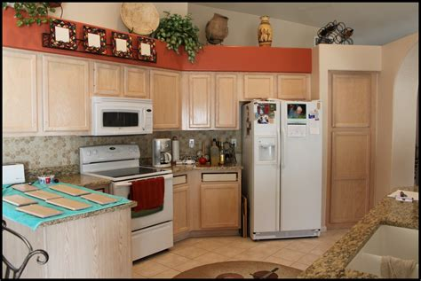 best ideas to select paint color for a small kitchen to best ideas to select paint color for a small kitchen to