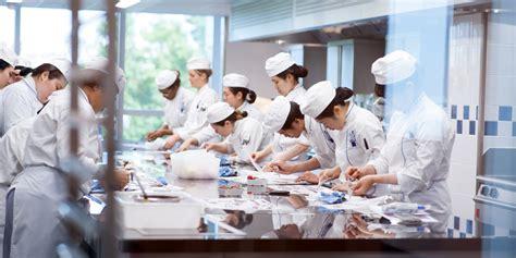 cours de cuisine thailandaise un institut à la pointe de la technologie au pied de la tour eiffel le cordon bleu