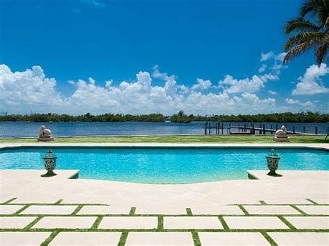 Luxury Palm Beach Mansion Selling For an Extravagant $38M