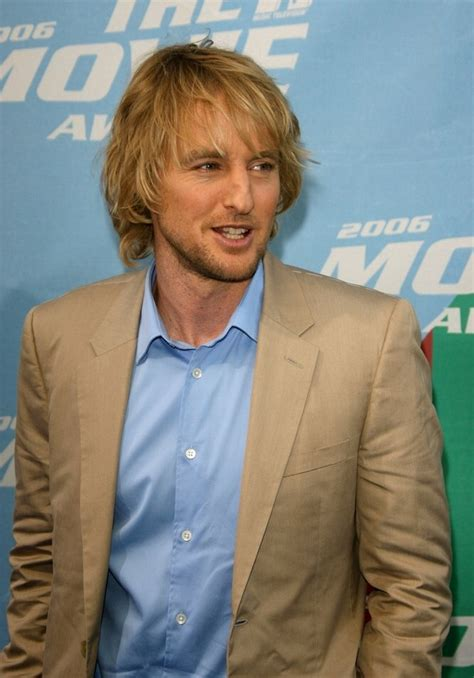 owen wilson sporting  long layered haircut styled