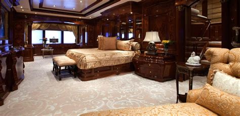 luxury yachts  yachts miami beach  features