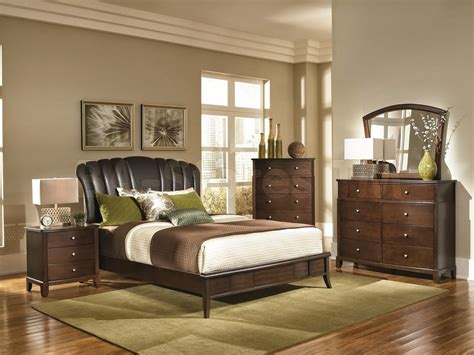 Comfortable Country Bedroom Ideas To Get Beautiful Bedroom