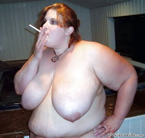 Smoking And Big Tits 100 Pics