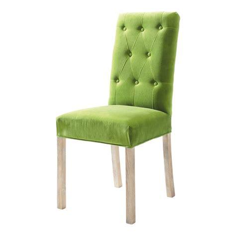 chaise verte chaise capitonnée velours verte elizabeth maisons du monde