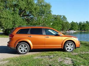 Review  U0026 Competition Comparo  2011 Dodge Journey