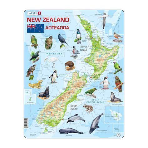 Larsen Map of New Zealand Puzzle   Moore Wilson's
