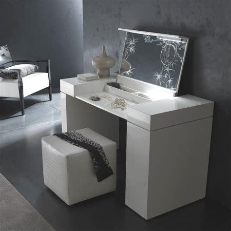 Makeup Vanity Table with Mirror   DesignWalls.com