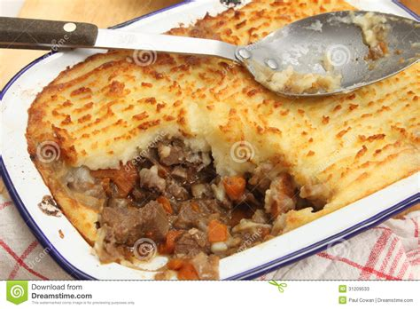 make cottage pie cottage pie from above stock photos image 31209533