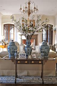 Decorating Vases with Blue and White