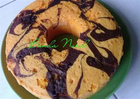 Resep yang paling umum ditemukan untuk membuat kue ini. Resep Bolu panggang anti gagal buat pemula oleh Deris Nurul - Cookpad