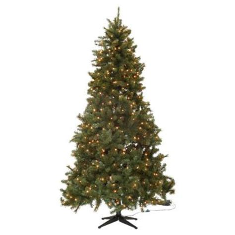 reviews home accent welsley spruce christmas tree home accents 7 5 ft wesley mixed spruce set artificial tree with 650