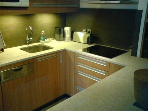 granit blanc cuisine plan de cuisine en granit plan de cuisine en granit copacabana avec evier granit plan de