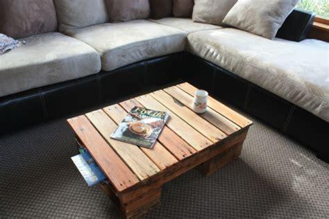 Der Couchtisch Aus Holzunique Table Made From 10 Different Types Of Wood 3 by Der Paletten Tisch Etwas Rustikal Aber Trotzdem Attraktiv