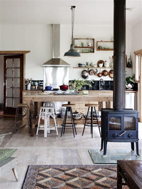 cuisine poele a bois le poêle à bois 40 idées pour changer l 39 intérieur et se