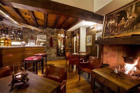Bar di montagna   Foto di La Taverna del Pilier