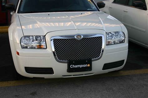 Bentley Grill Chrysler 300 by Chrysler 300 Chrome Bentley Mesh Grille