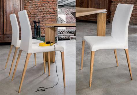 Sedie Da Salotto In Ecopelle : Sedie Impilabili E Sgabelli Per Cucine E Sale Da Pranzo