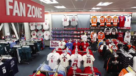 Models Sports Stores by A Better Modell S Sporting Goods Store Time Lapse