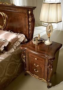 Comodini classici di lusso, in legno intagliato, per camera da letto IDFdesign