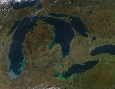 lake erie 39 s toxic algae bloom seen from space green scum