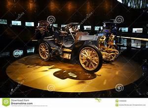 Musée Mercedes Benz De Stuttgart : objet expos de voitures de vintage dans le mus e de ~ Melissatoandfro.com Idées de Décoration
