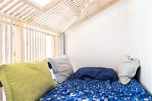 Cabane Chambre Enfant : un lit cabane lumineux ~ Teatrodelosmanantiales.com Idées de Décoration