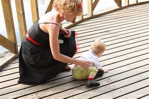 Kam atstāt pieskatīt bērnu: neuzticamai auklei vai ...
