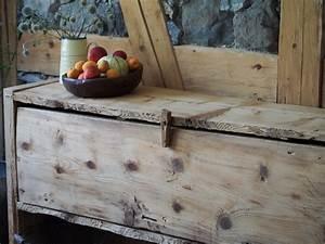 Möbel Aus Altholz : manum m bel aus altholz truhe aus altholz ~ Frokenaadalensverden.com Haus und Dekorationen
