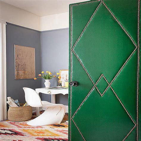 diy easy ways  decorate closet doors   tips
